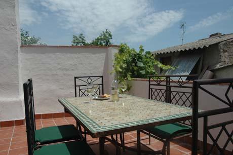 dining-terrace2.jpg